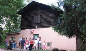 Téma: Tyrolský domek