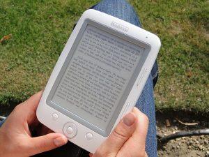 Je tak významná několikamilionová investice do nové knihovny rozumná, když čtenáři přecházejí na e-knihy a audioknihy?
