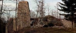 so 4.5.2019 Rabštejn: brigáda – kameny se valí na hrad