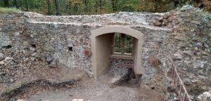 Na Rabštejnku letos proběhla rekonstrukce západní zdi hradního paláce