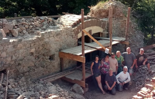 Rabštejn - oprava západní stěny s oknem - pohled zevnitř