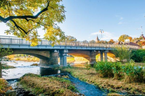 Silniční most knížete Auersperga zezadu