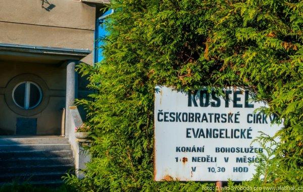 informační tabule evangelického kostela ve Slatiňanech