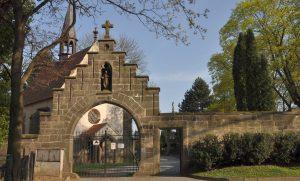 Téma: Hřbitov U kříže Chrudim