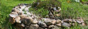 Ve školce shání nádobu na dešťovou vodu a říční kameny