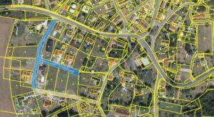 Téma: slepá ulice od Olšiny k č.p. 154 ve Škrovádě – Finské domky
