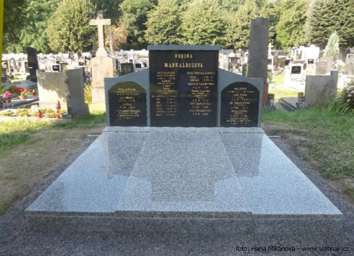 náhrobek Jaromír John Pardubičky