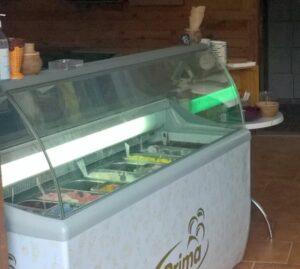 V cukrárně u silničního mostu už je zase možné koupit zmrzlinu