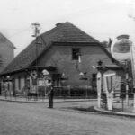 Křižovatka u Géčka od kovárny, vpravo Schmoranzova.