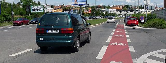 Cyklopruh v Počernické ulici v Praze 10