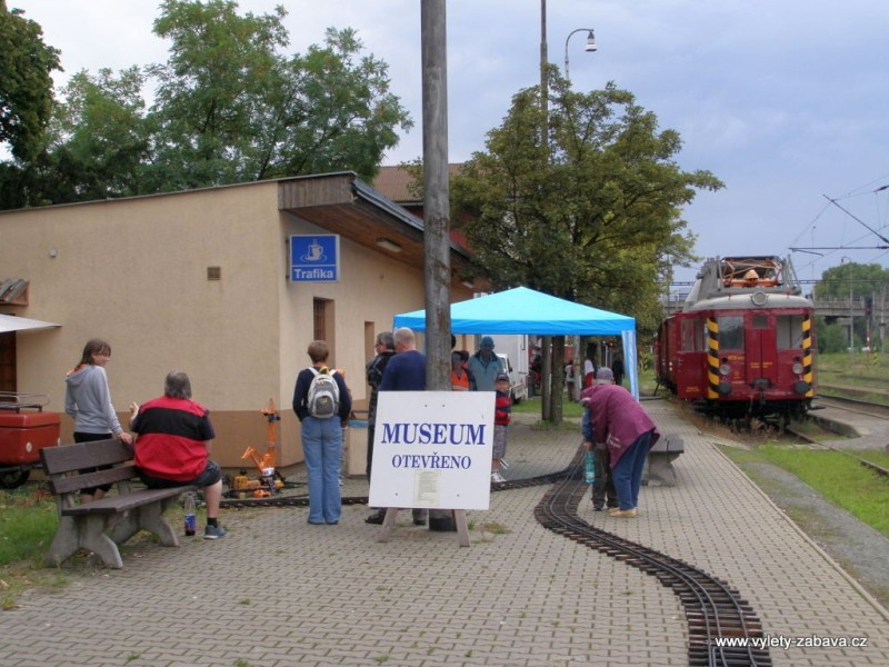 zahradní železnice - železniční muzeum - Rosice nad Labem